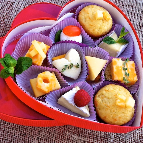 If your sweetie loves cheese as much as chocolate, impress him or her with this Cheese Lover's Valentine! @tspbasil