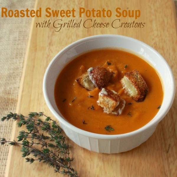 #HealthyKitchenHacks - Get Kids to Eat Soup: Grilled Cheese Croutons | @tspcurry