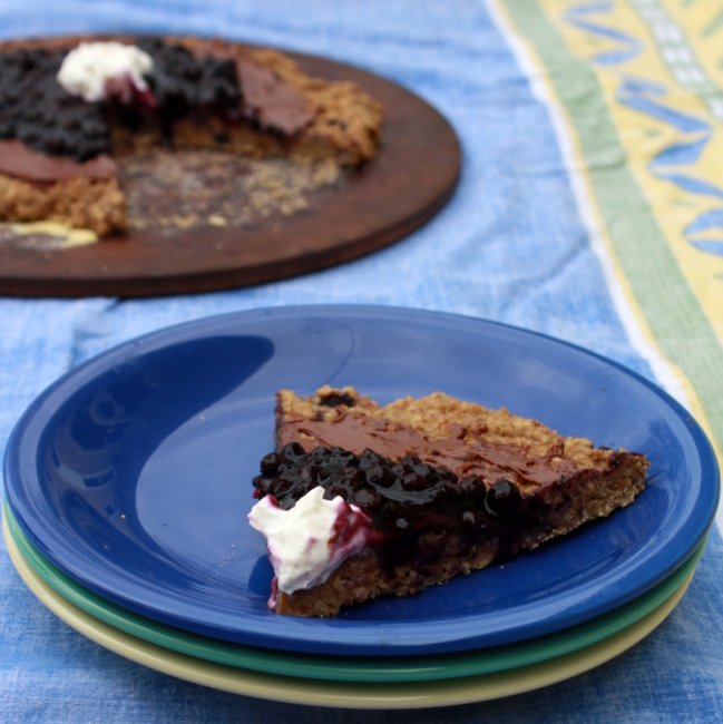 Wild Blueberry Oatmeal Breakfast Pizza with Nutella®