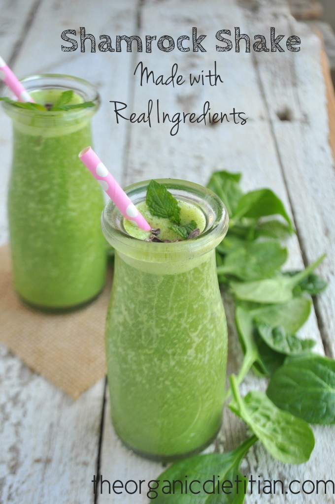 #HealthyKitchenHacks: An all natural Shamrock Shake featuring fresh mint and spinach.