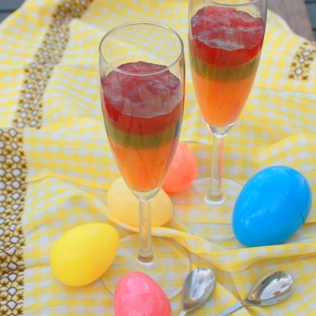 #HealthyKitchenHacks: Naturally Colored #Easter dyes