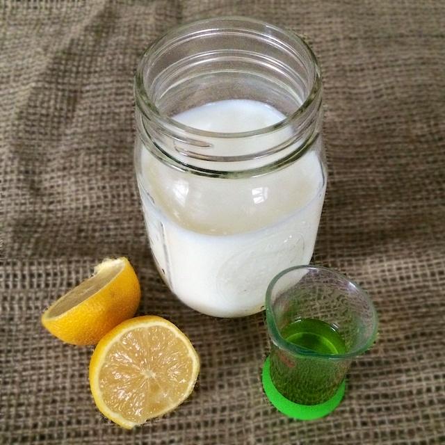 #HealthyKitchenHacks : Quick Homemade Buttermilk