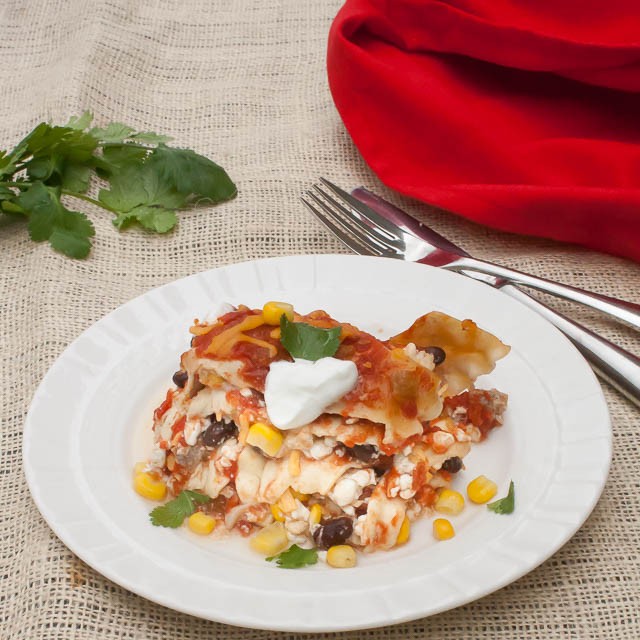 Healthy Mexican Lasagna with Chicken #SlowCooker   @tspcurry