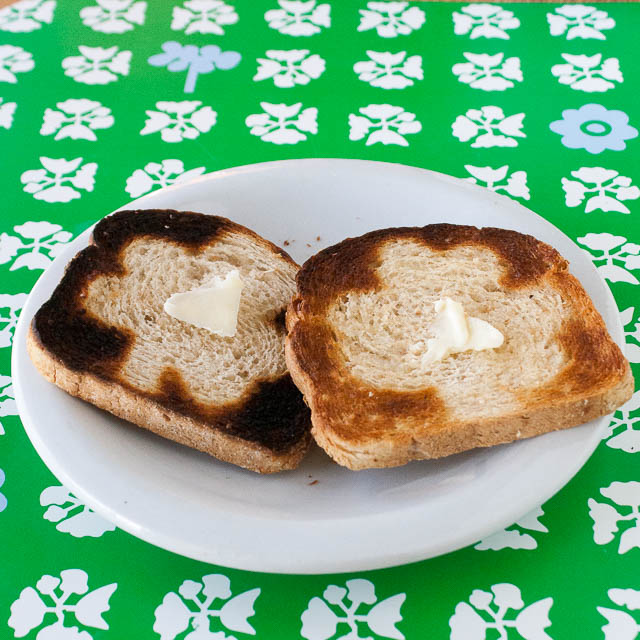 #HealthyKitchenHacks - St Patricks Day Breakfast Toast | @Tspcurry