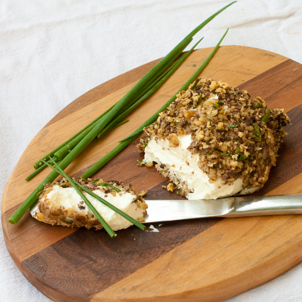 Baked Goat Cheese Crusted in Walnuts and Mushrooms | @tspcurry